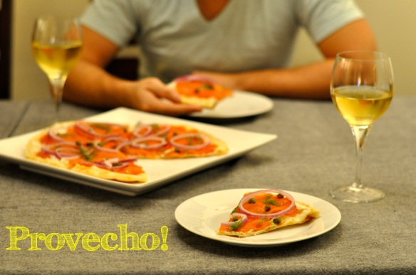 Smoked salmon Pizza...Provecho!
