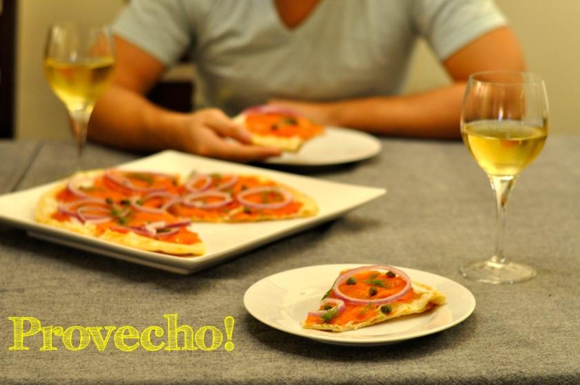Smoked salmon Pizza...Provecho!